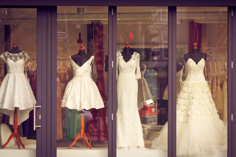 16 Must Know Wedding Dress Shopping Tips